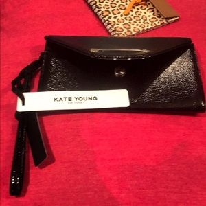 🛍👜NWT Kate Young Black Wristlet